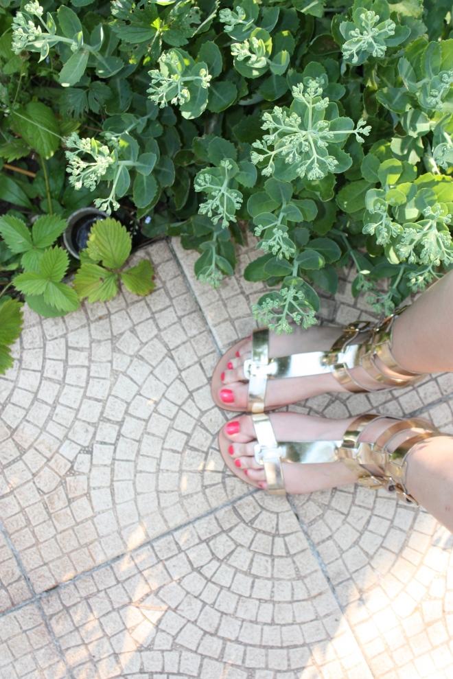 J'ai croisé de très belles sandales à @cindoudou
